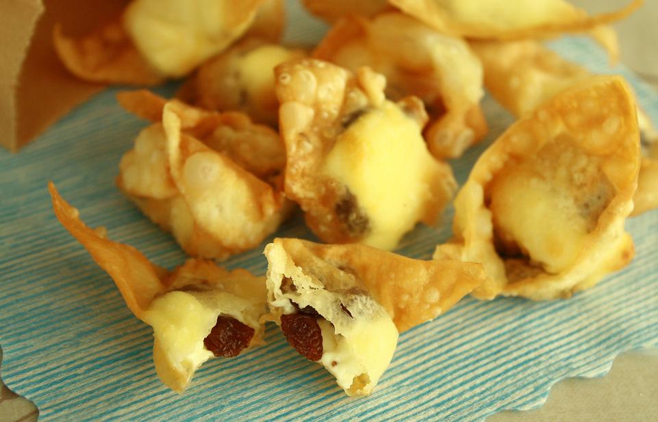 レーズンとクリームチーズのおつまみワンタン