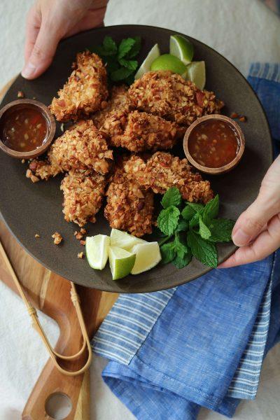 鶏胸肉のアーモンド唐揚げ。